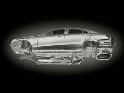 是e级车型杰出的安全理念和舒适驾乘感受和其出色的空气动力学性能,而图片