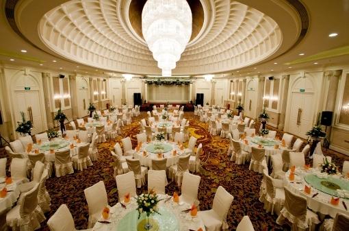 饭店宴会大厅石膏板吊顶图片展示